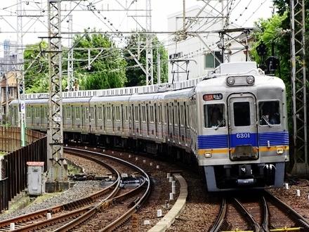 南海6300系 (北野田駅から)