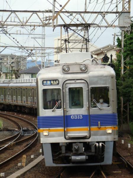 南海6300系(北野田駅から)