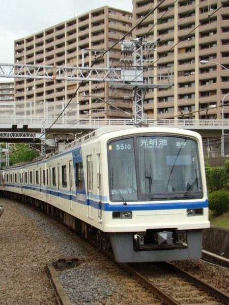 泉北高速5000系(泉ヶ丘駅から)