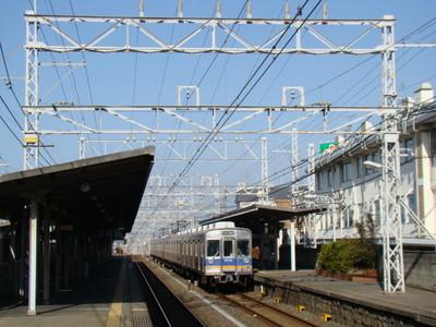 8200系(初芝駅)