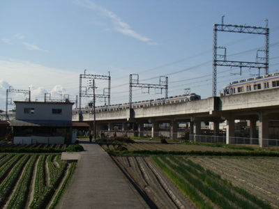 7100系(府道204号・脇浜交差点付近)