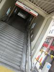 所在地は大阪府高石市。西口に車いす用のガイドレールが新設されましたが、まだ稼働はしていません。