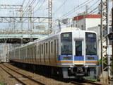 1000系(北助松駅付近から)