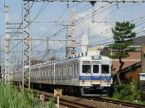 7100系(樽井3号踏切〜4号踏切間)